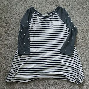 Tops - Tunic top - brand new size small
